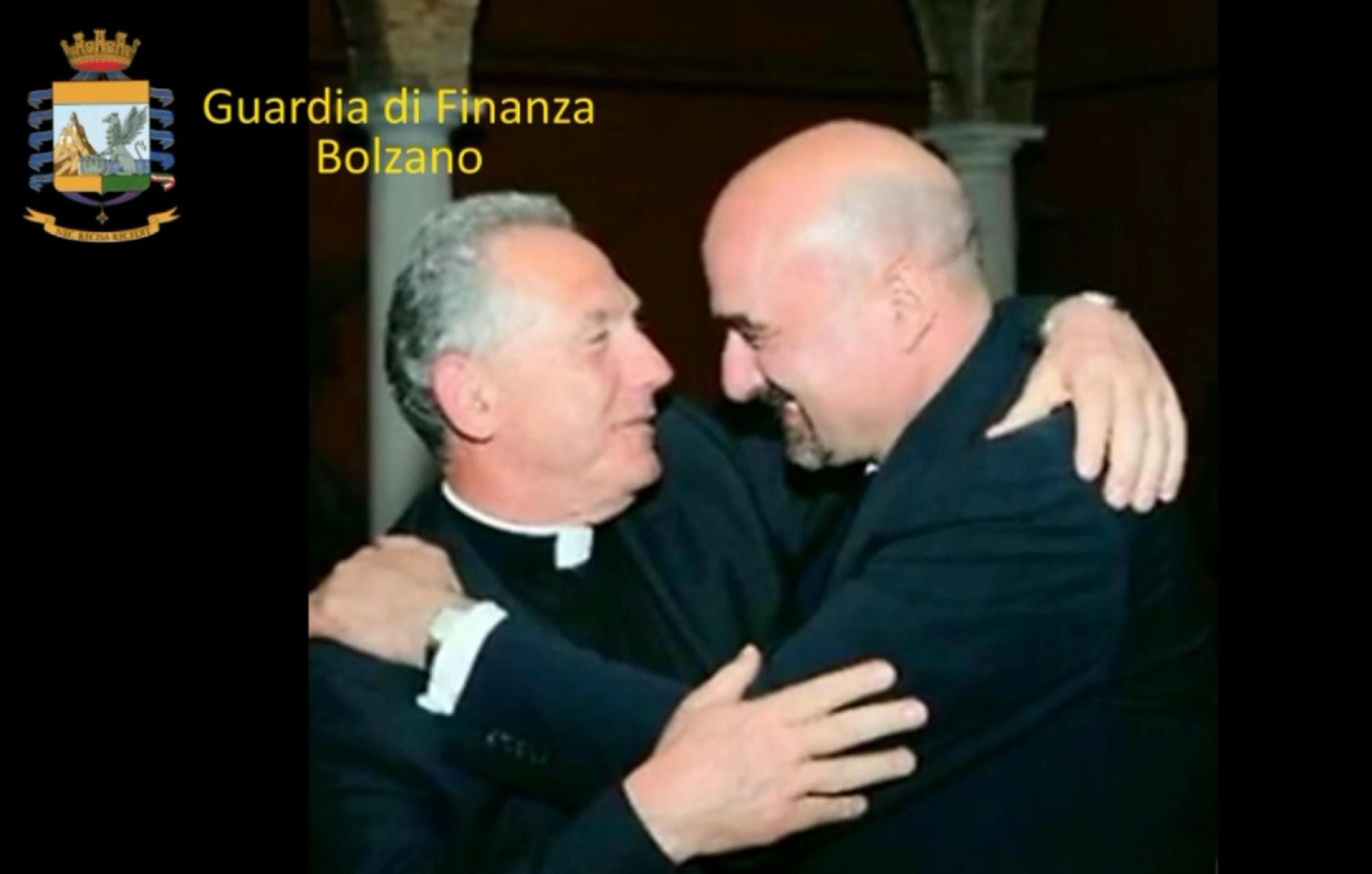 Truffa da 30 milioni, arrestato un monsignore argentino