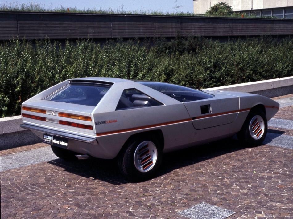 Alfa Romeo Caimano: ancora oggi la futuristica vettura del Biscione incanta
