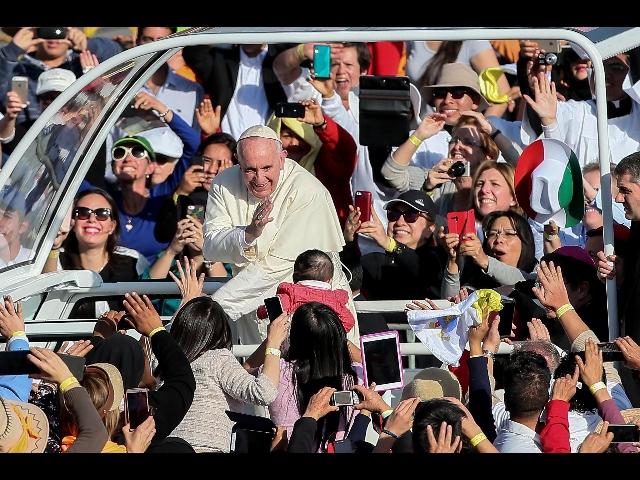 Papa: Guadalupe, qui speranza per ultimi