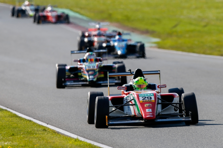 Italian F4 Championship powered by Abarth: Mick Schumacher alla difesa del primato