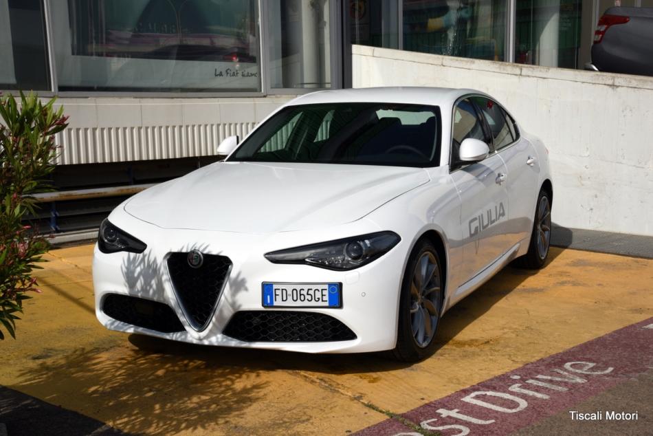Nuova Alfa Romeo Giulia: le foto