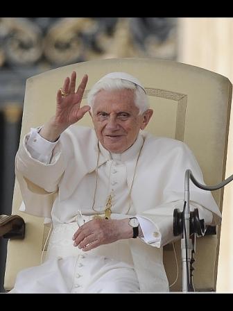 Pasqua: Papa regala a giovani detenuti uovo di 250 chili