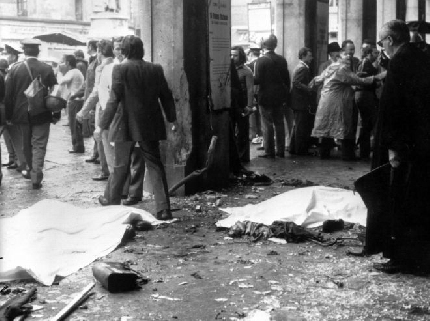 Strage di Piazza della Loggia a Brescia: le immagini del 1974 e quelle degli imputati al processo d'Appello