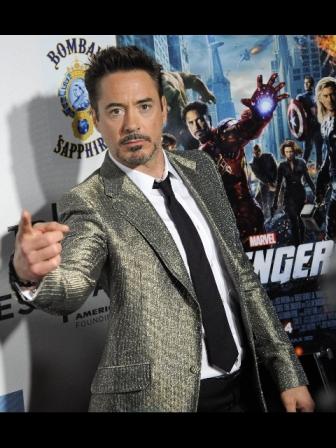 Cinema: gli Avengers travolgono il botteghino