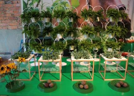 Photogallery salone del mobile 2012 - Porta piante ikea ...