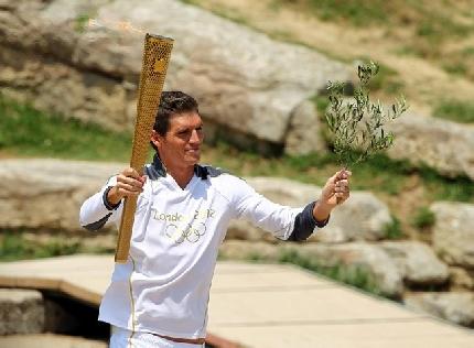 Londra 2012: accesa ad Olimpia la fiaccola dei Giochi