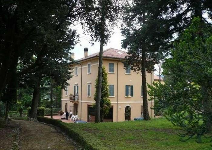 Ville con bunker antiatomico in vendita in Abruzzo e in Romagna