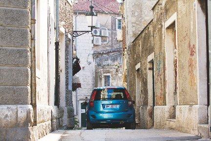 Suzuki Splash si rifà il trucco e abbassa il prezzo
