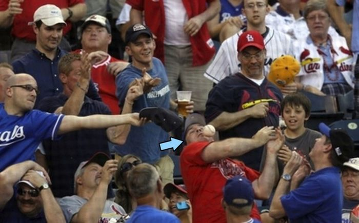 Baseball, quando il pubblico e' a rischio infortunio