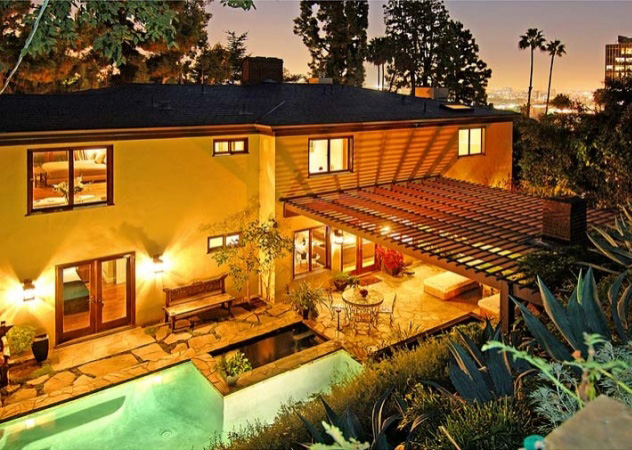 Frankie Muniz ha rimesso in vendita la sua casa di Hollywood Hills per 3.195 mila dollari