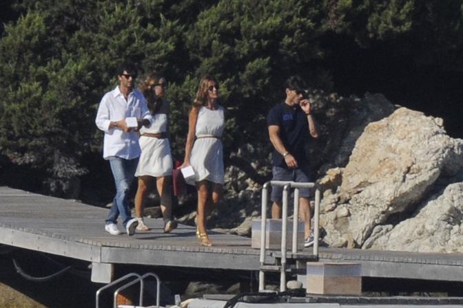 """La famiglia Berlusconi """"invade"""" Villa Certosa con gli amici"""