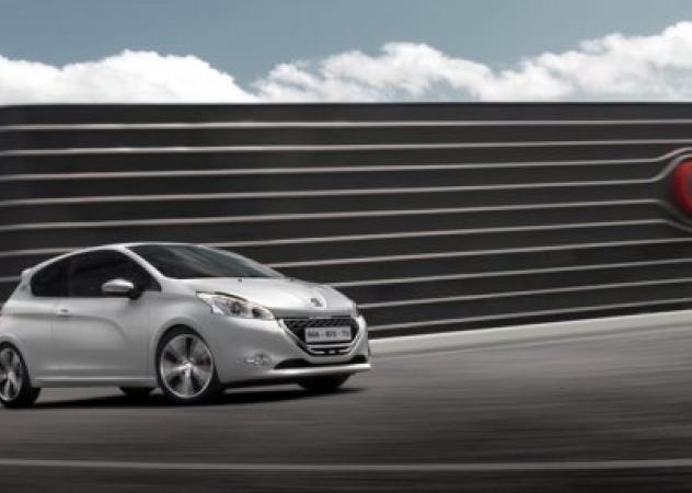 Peugeot 208 GTi, 200 CV di emozioni
