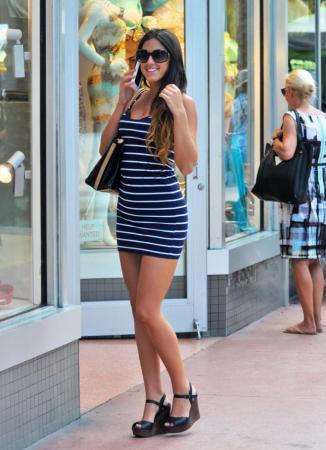 Claudia romani dea del bikini lascia senza fiato a miami for Secondi romani