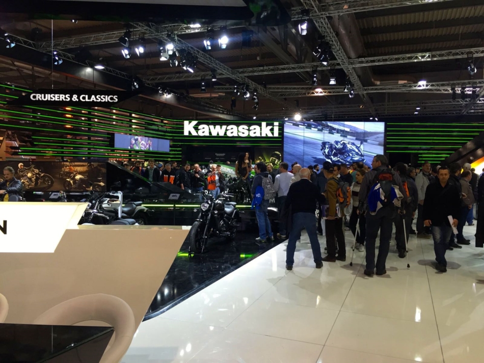 Lo stand della Kawasaki a EICMA 2105Lo stand della Kawasaki a EICMA 2105