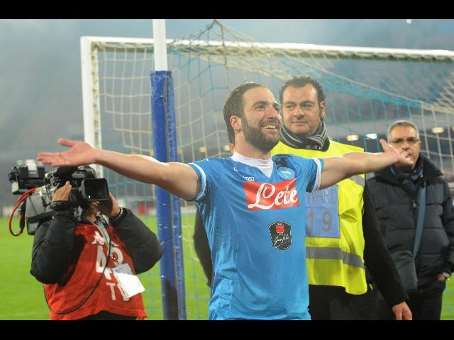 Calcio: Napoli capolista solitario in serie A dopo 25 anni